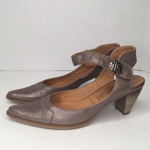 Karston gorgeous leather shoes. Made in France.